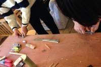 20150110 - 工作(竹とんぼ)ナイフで削ります